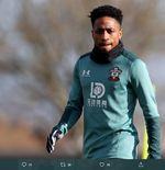 Jose Mourinho Akan Jual Bek Muda Tottenham, Fan Protes