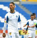 Striker Dynamo Kiev Coba Peruntungan Jadi Novelis