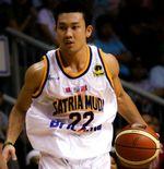 Kesulitan Beli Sneakers, Denny Sumargo Pernah Pakai Boots untuk Main Basket