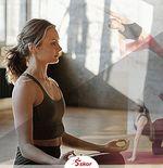 Tips: Gerakan Yoga untuk Pemula Selama di Rumah Aja