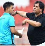 Carlos de Oliveira Batal Tiba Akhir Pekan Ini, Arema FC Ungkap Penyebabnya