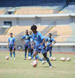Pelatih Persib Mulai Menyusun Program Latihan Spesifik untuk Pemain