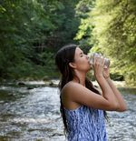 Tips: Mulai Kebiasaan Minum Air Putih dengan 4 Anjuran Ini