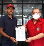 Kontrak Leonard Tupamahu Resmi Diperpanjang Bali United Satu Musim ke Depan