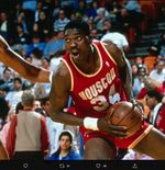 CERITA RAMADAN: Kisah Hijrah Hakeem Olajuwon dan Berkah Puasa di NBA