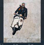 Jose Mourinho Sudah Datang ke Kota Roma, Mengendarai Vespa