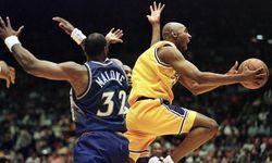 Kobe Bryant membela LA Lakers pada 1996-2016.
