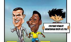 Cristiano Ronaldo mematahkan rekor gol Pele.