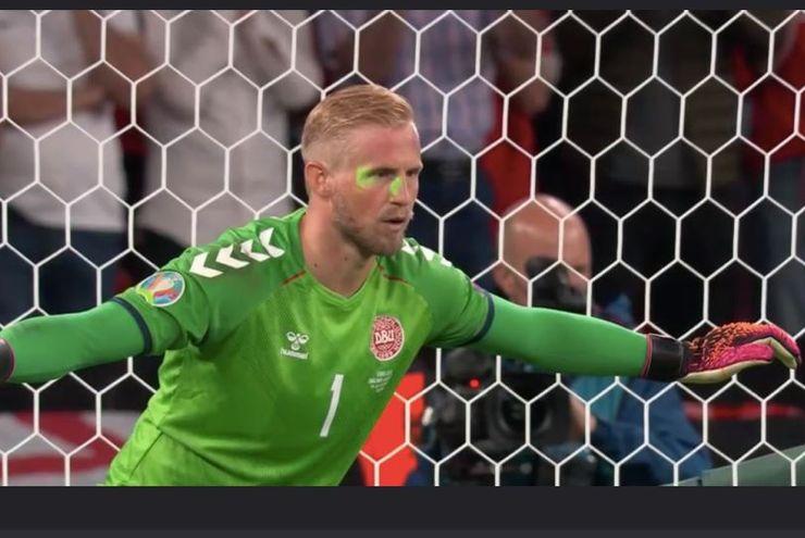 Final Euro 2020: Inggris Didenda Rp517 Juta Gegara Sinar Laser ke  Wajah Kasper Schmeichel