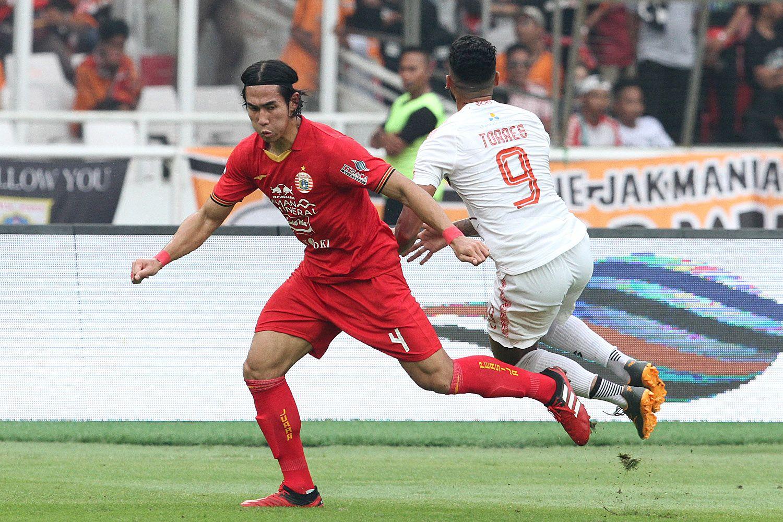 Ryuji Utomo (Persija) vs Fransisco Torres (Borneo FC)