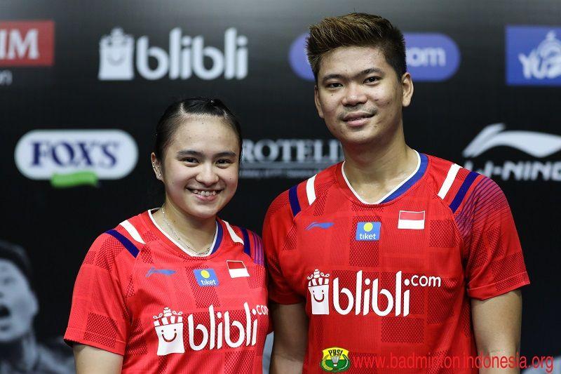 Ganda campuran Indonesia, Ppaveen Jordan/Melati Daeva Oktavianti, berpose setelah melakoni laga Mola TV PBSI Home Tournament yang digelar di Pelatnas Cipayung pada Kamis, 2 Juli 2020.
