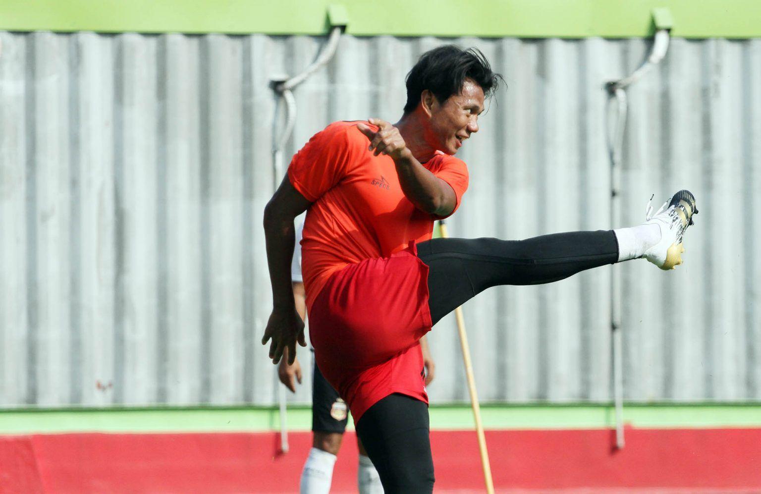 Bek Bhayangkara FC, Achmad Jufriyanto.