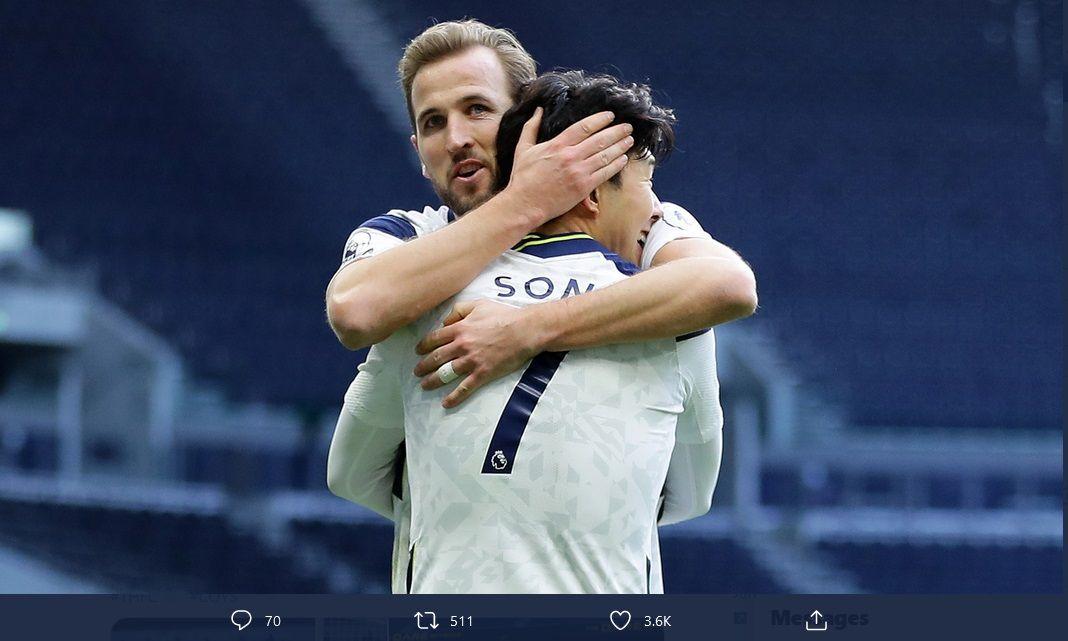 Dynamic duo Tottenham Hotspur, Harry Kane dan Son Heung-min saat merayakan gol.