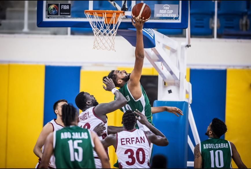 Aksi Mohammed Alsuwailem di laga Iran vs Arab Saudi di Window 2 Kualifikasi Piala Asia FIBA