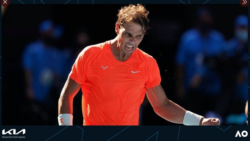 Ekspresi petenis Spanyol, Rafael Nadal, saat tampil pada babak pertama Australia Open 2021 di Melbourne Park, Selasa (9/2/2021).