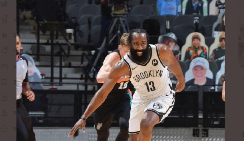 Aksi James Harden saat memperkuat Brookyln Nets dalam laga kontra tim tuan rumah, San Antonio Spurs, Selasa (2/3/2021) WIB.