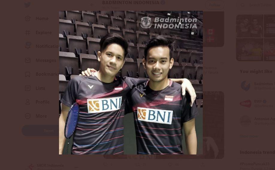Foto pasangan ganda putra Indonesia, Pramudya Kusumawardana (kanan) dan Yeremia Erich Yoche Yacob Rambitan