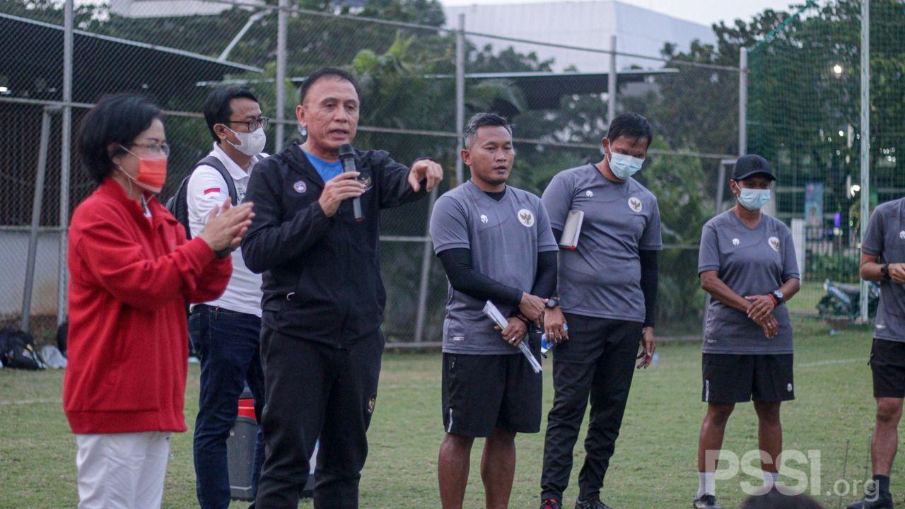 Ketua Umum PSSI, Mochamad Iriawan, meninjau langsung persiapan timnas putri Indonesia yang menggelar pemusatan latihan untuk menyambut bergulirnya SEA Games 2021.