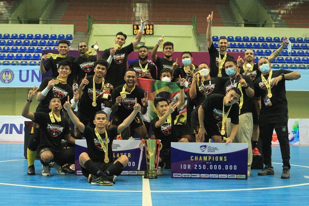 Selebrasi Black Steel Manokwari usai menjuarai Pro Futsal League 2020