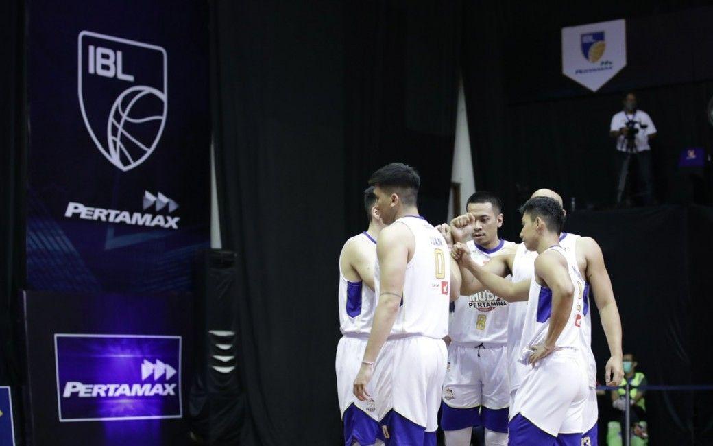 Satria Muda Pertamina Jakarta memastikan diri sebagai salah satu tim yang lolos ke playoff IBL 2021 dari divisi putih.
