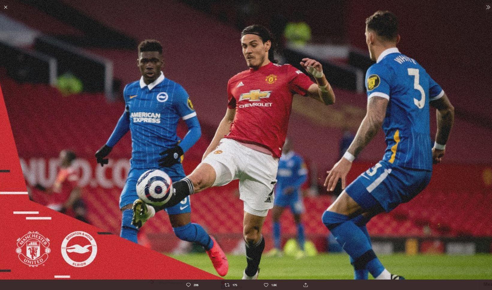 Penyerang Manchester United, Edinson Cavani (tengah), pada laga melawan Brighton di Liga Inggris.