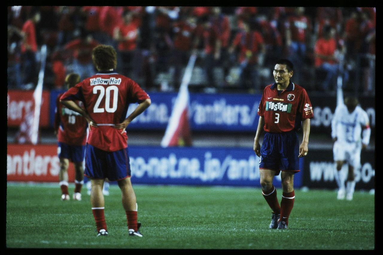 Para pemain Kashima Antlers pada gelaran J1 League musim 2003.