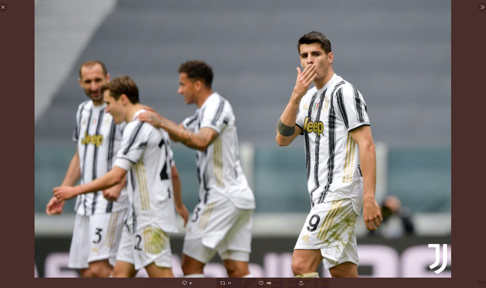 Alvaro Morata merayakan golnya untuk Juventus ke gawang Genoa di Liga Italia, Minggu (11/4/2021) malam WIB.