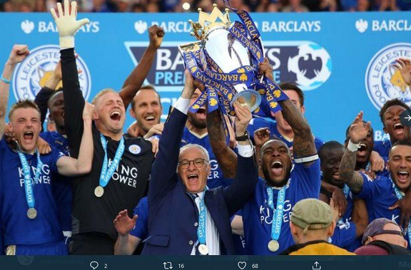 Momen ketika pelatih Claudio Ranieri merayakan gelar Liga Inggris bersama pemainnya pada 2015-2016.