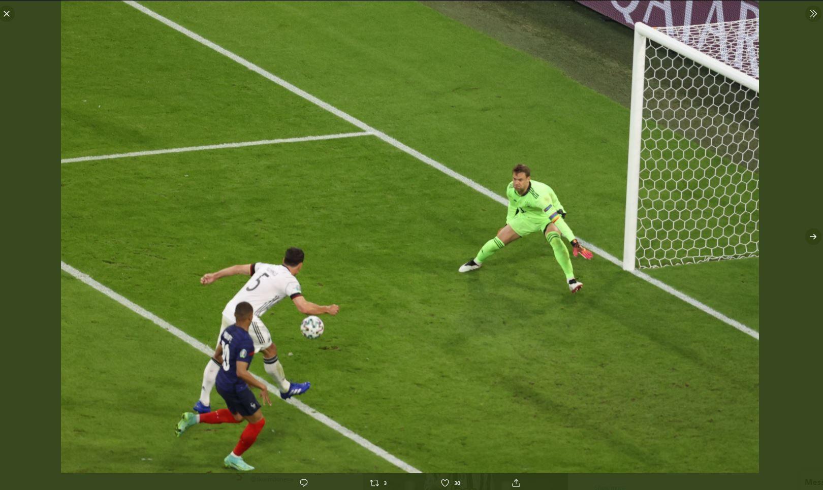 Momen Mats Hummels mencetak gol bunuh diri yang membuat Prancis unggul atas Jerman di Piala Eropa 2020 (Euro 2020).