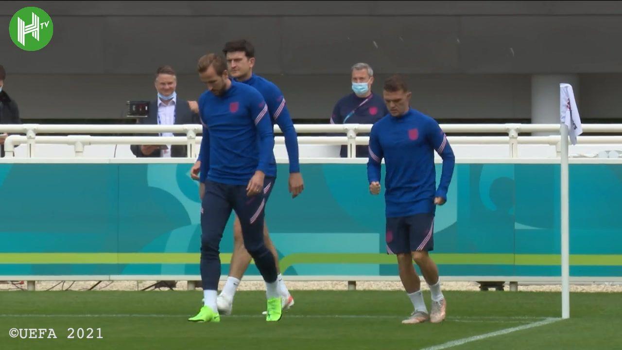 Para pemai timnas Inggris dalam sesi latihan terakhir jelang laga melawan Italia di final Euro 2020.