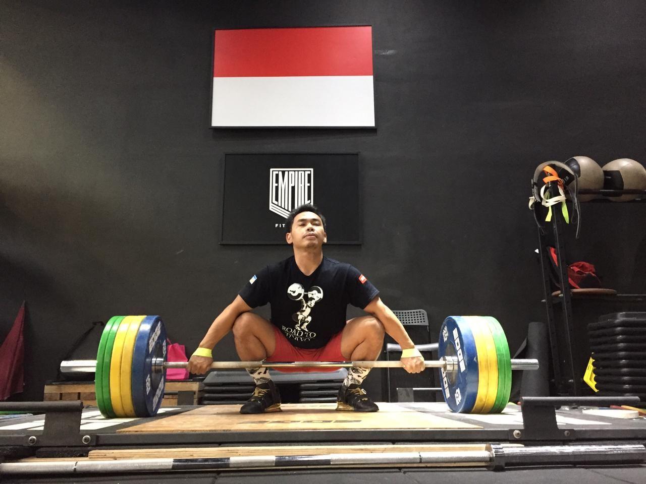 Aksi Eko Yuli Irawan dalam latuhan jelang turun di Olimpiade Tokyo.