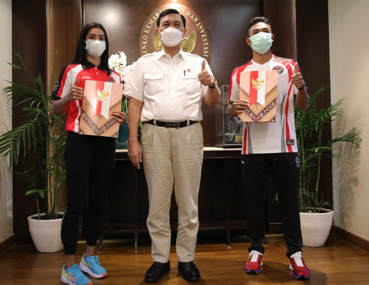 Luhut Binsar Pandaitan resmi melepas Lalu Muhammad Zohr dan Alvin Tehupeiory ke Olimpiade 2020 Tokyo