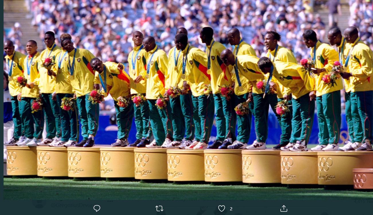 Skuad Kamerun saat meraih medali emas di Olimpiade Sydney 2000.