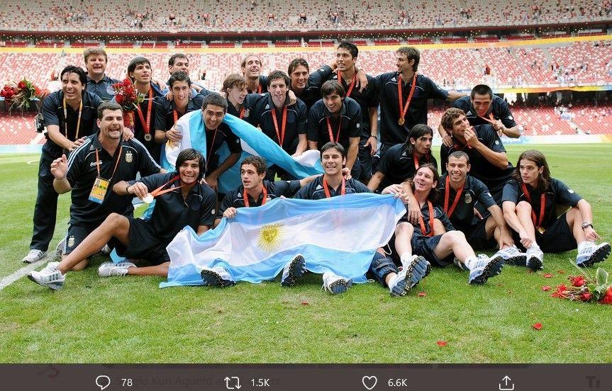 Timnas Argentina Olimpiade 2008 saat merayakan gelar juara.