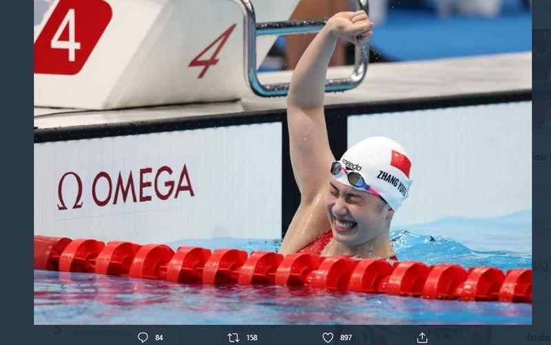 Perenang Cina, Zhang Yufei, sukses memenangi dua medali emas Olimpiade Tokyo 2020 dalam sehari, Kamis (29/7/2021), dari nomor 200m gaya kupu-kupu putri dan estafet 4x200m gaya bebas putri.