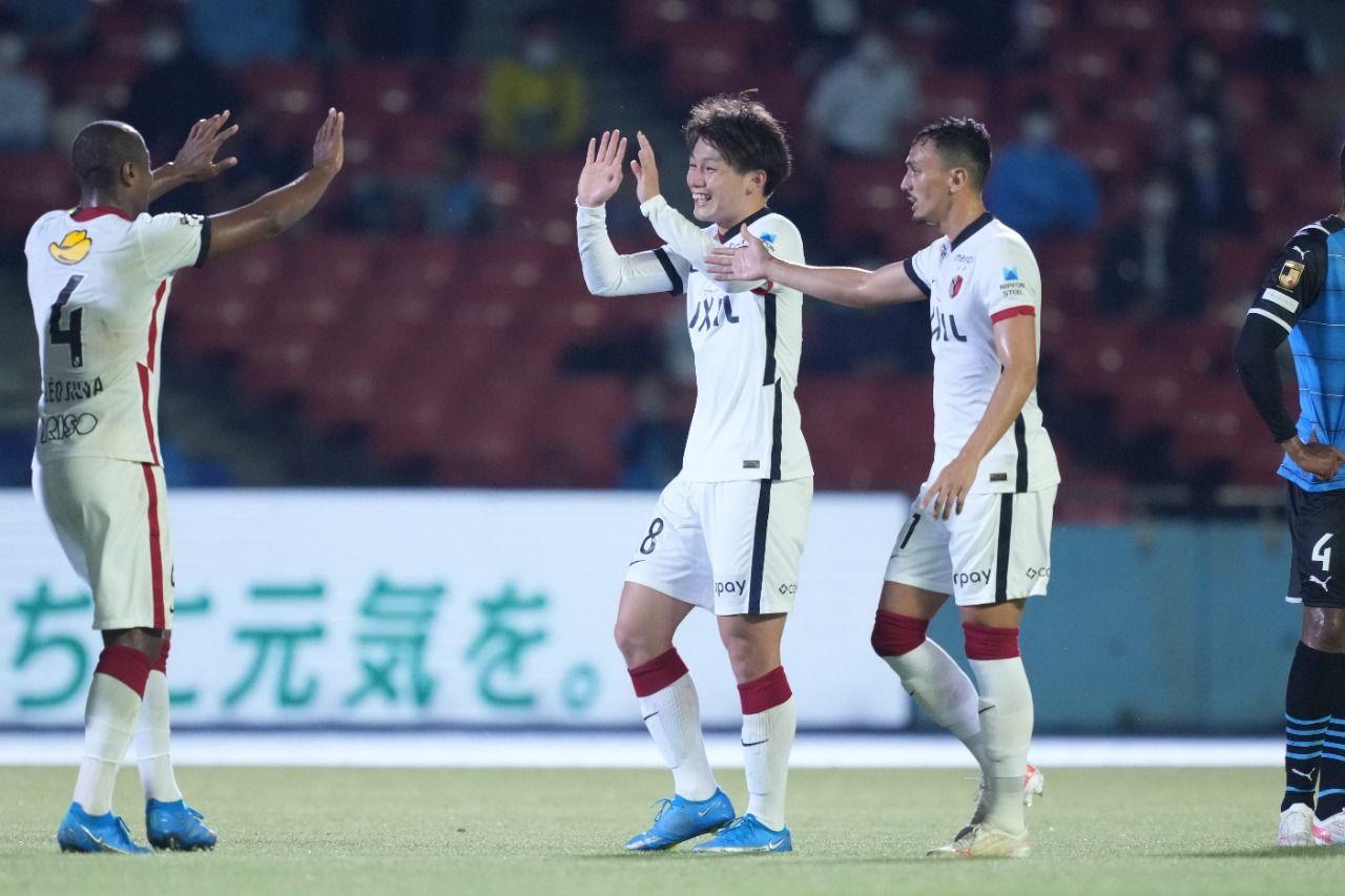 Penyerang Kashima Antlers, Ayase Ueda, usai mencetak gol lawan Kawasaki Frontale di Meiji Yasuda J1 League.