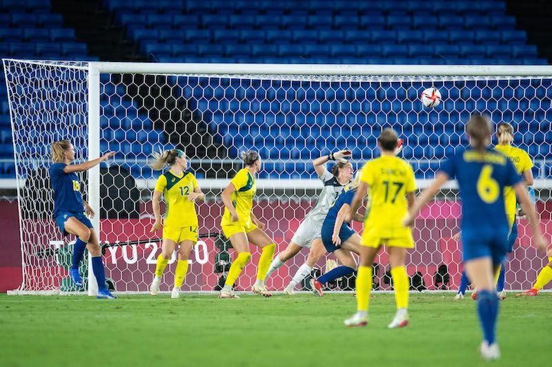Momen terciptanya gol Fridolina Rolfoe pada pertandingan semifinal sepak bola putri Olimpiade Tokyo 2020 antara Australia vs Swedia, Selasa (2/8/2021) malam WIB.