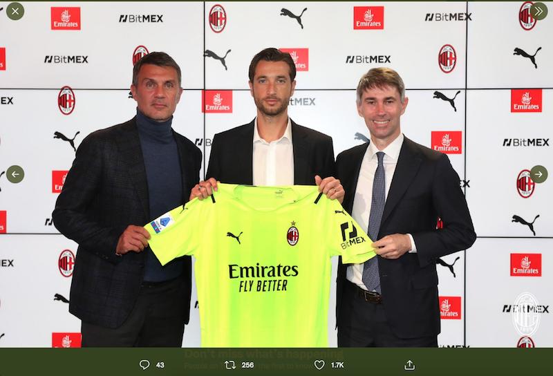 AC Milan merekrut Antonio Mirante (tengah), setelah Mike Maignan diharuskan absen selama sepuluh pekan.