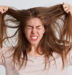 Tips Merawat Rambut Setelah Berlibur ke Pantai