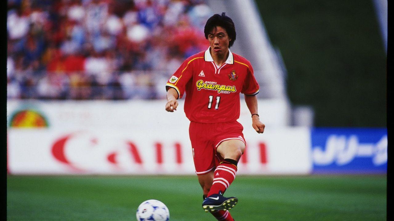 Takashi Hirano, mantan pemain timnas Jepang, kala membela Nagoya Grampus di J.League.