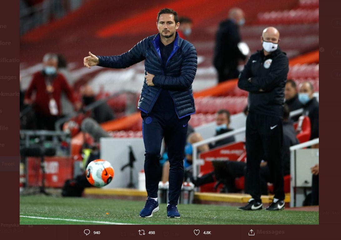 Pelatih Chelsea, Frank Lampard, saat menghadapi Liverpool pada pekan ke-37 Liga Inggris.