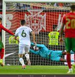 Stop Bicara Skill, Kiper Muda Irlandia Cuma Beruntung Bisa Tepis Penalti Cristiano Ronaldo