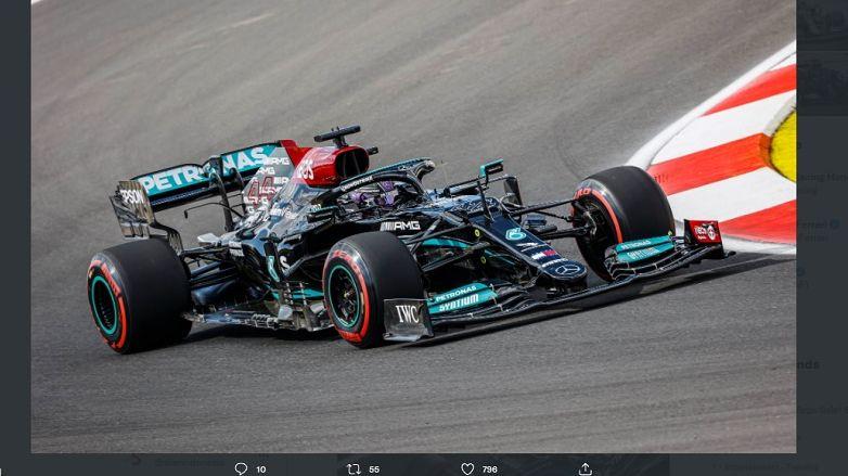 Lewis Hamilton kala tampil pada sesi kualifikasi F1 GP Turki 2021 yang digelar di Istanbul Park pada Sabtu (9/10/2021).