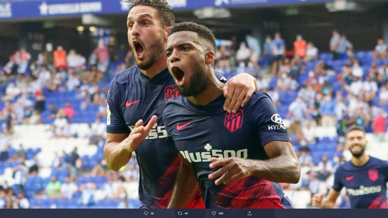Pemain Atletico Madrid merayakan gol Thomas Lemar ke gawang Espanyol di Liga Spanyol.