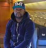 Prediksi Jitu, Floyd Mayweather Raup Rp297 Juta dari Kemenangan Teofimo Lopez