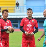 Kiper Senior Persib Bandung Rasakan Manfaat Latihan Keras ala Luizinho Passos