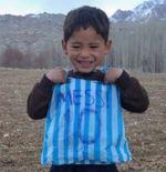 Bocah Jersey Plastik Minta Tolong ke Lionel Messi: Selamatkan Aku dari Taliban!
