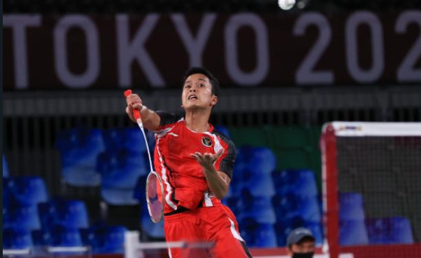 Pemain Indonesia, Anthony Sinisuka Ginting, saat membela Indonesia di babak semifinal Olimpiade Tokyo 2020, Minggu (1/8/2021).