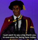 VIDEO: Marcus Rashford Terima Gelar Doktor Termuda dari Universitas Manchester