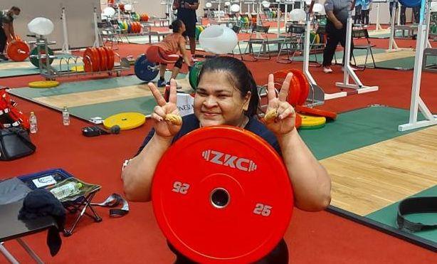 Lifter putri Indonesia, Nurul Akmal, di sela-sela latihan resmi Olimpiade Tokyo 2020 di Tokyo International Forum.